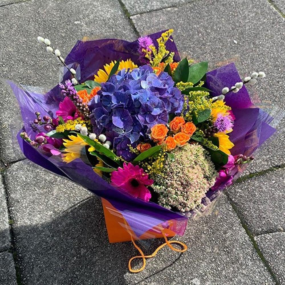 Florist choice handtied